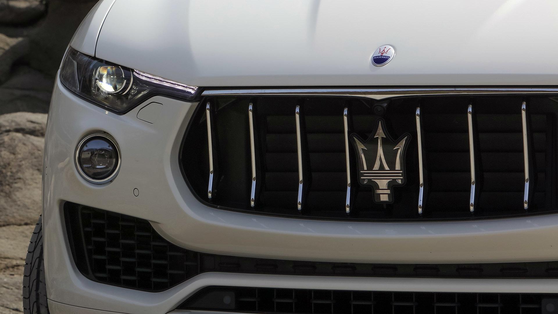 Мазерати Леванте 2017: фото, цена, технические характеристики: http://car4play.ru/auto/mazerati-levante-2017