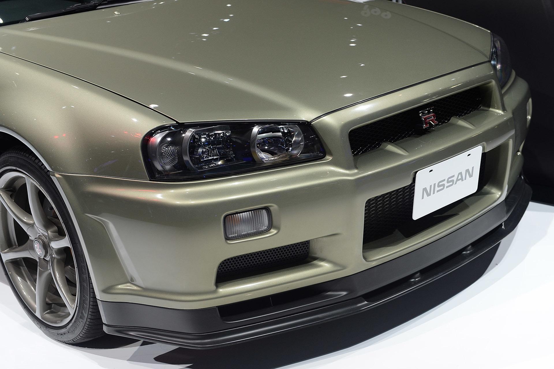 Фото автомобилей Nissan Skyline всех годов выпуска: https://car4play.ru/lifestyle/pokoleniya-nissan-skyline-predstavlyayushchie-2017-gtr