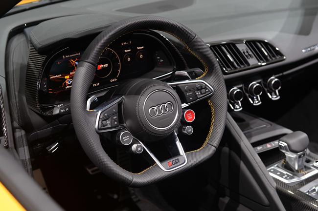 Audi R8 Spyder 2017 фото