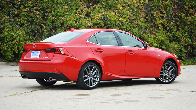 Lexus IS 200t 2016 фото