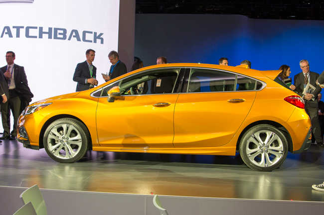 Chevy Cruze Hatchback 2016 фото