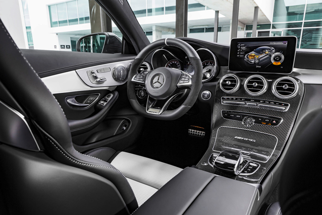 Интерьер Mercedes-AMG C63 Coupe 2016 фото