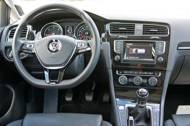 Салон Volkswagen Golf 2016 универсал фото