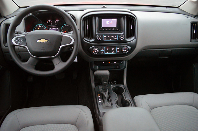 Интерьер Chevrolet Colorado 2015 фото