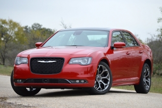 Новый Chrysler 300 C 2015 фото