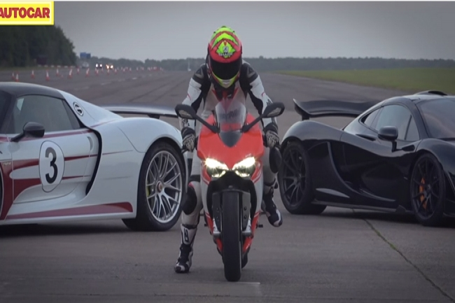 Гонка гиперкаров Porsche 918 Spyder, McLaren P1 и Ducati 1199 Superleggera